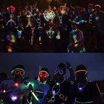 Aookey Lot de 100 Bâtons Lumineux Fluorescents, Glowsticks, Kit Complet Incluant Collier Lumineux, Boules de Fleurs, Verres Lumineux, Triple Bracelets et Pince à Cheveux de la marque Aookey image 2 produit