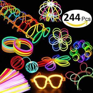 Aookey Lot de 100 Bâtons Lumineux Fluorescents, Glowsticks, Kit Complet Incluant Collier Lumineux, Boules de Fleurs, Verres Lumineux, Triple Bracelets et Pince à Cheveux de la marque Aookey image 0 produit