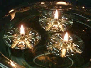 aromaglow magique eau flottant bougies, 50réutilisable Argent flotte et combustion longue 50Mèches nourrie par l'huile végétale pour table de mariage. de la marque Aromaglow image 0 produit
