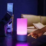 AUKEY Lampe de Chevet LED avec Contrôle Tactile à 360°, Lampe de Table avec 3 Niveaux de Lumière Blanche Réglable et Changement de 256 Couleurs RGB de la marque Aukey image 4 produit