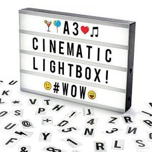 Cosi Home™ - Boîte cinématique lumineuse format A3 avec 100 lettres, émoticônes, smileys et symboles - personnalisez votre message - Piles et alimentation USB de la marque The Body Source image 0 produit