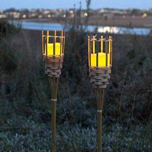 Lights4fun Lot de 2 Torches de Jardin en Bambou avec Bougie LED à Piles de la marque Lights4fun image 0 produit