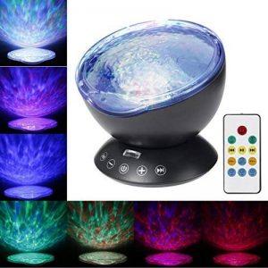 Lumière de Nuit Lampe de Projecteur, Footprintse Remote Control Ocean Wave Projector 4 Modes Sons et 7 couleurs Projection Rotative Contrôler par Télécommande pour chambre d'enfant bébé adultes Ambian (noir) de la marque Footprintse image 0 produit
