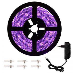 Onforu Kit de 5M UV Bande LED Lumière Noire, 300 LEDs Ruban Lumineux Violet, Bandeau LED Autocollant, Avec Fiche 12V, LED SMD2835 de haute qualité, Bande LED Lumineuse Flexible, Eclairage de Scène, Eclairage d'ambiance Parfait pour soirée bar Disco DJ de image 0 produit