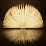 RegeMoudal LED Livre Lampes D'ambiance Lampe de Lecture Pliante Rechargeable par USB Lumière Magnétique avec Batterie Lithium 2500 mAh en Bois en Papier DuPont Imperméable Lampe de Bureau Lumières Décoratives Veilleuse Lampe de Chevet (Noyer) de la marque image 1 produit