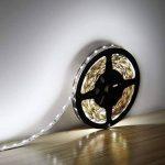 Ruban Lumineux LED Blanc Froid 10M - ELINKUME Lumières flexibles de bande de LED Non-Étanche SMD 2835 LED Strip Light DC12V pour Chambre/Salon / Cuisine/Bar / Café de la marque ELINKUME image 1 produit